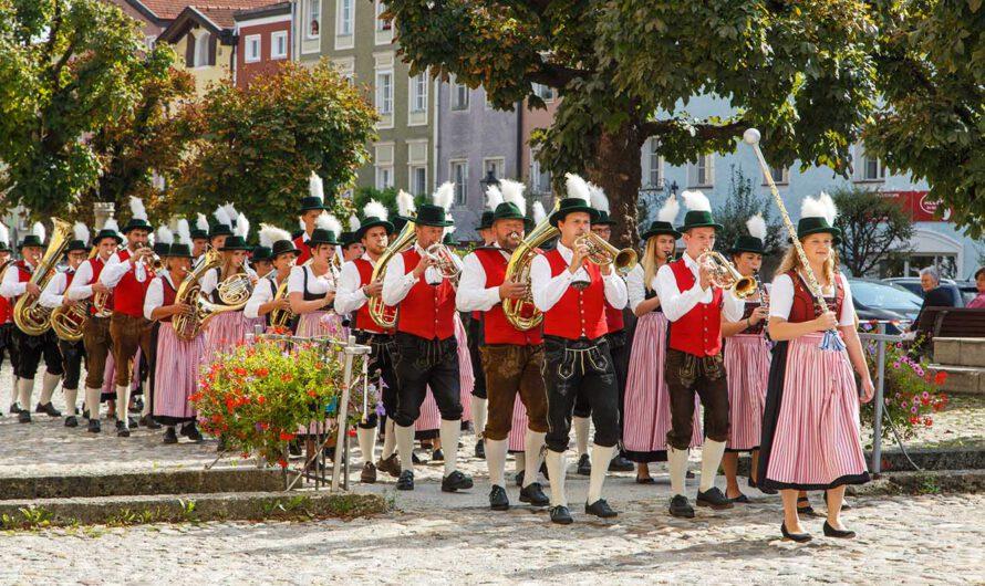 "Stadtkapelle Tittmoning – Blasmusik am ""Saumarkt"""